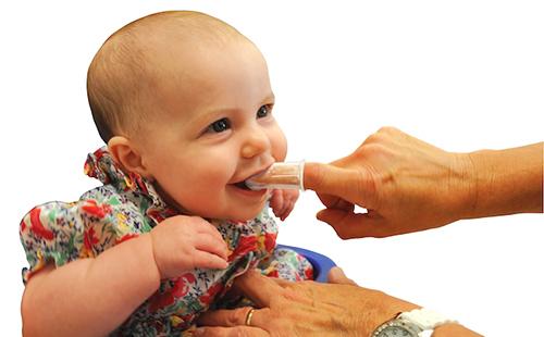 Зубная щетка напальчник для детей