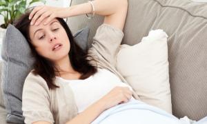 Кровоточат десны при беременности: что делать?