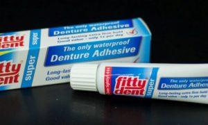 Крем Фиттидент для фиксации зубных протезов