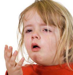 Кашель при прорезывании зубов у детей: может ли быть?