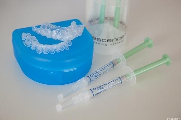 Отбеливание зубов Opalescence