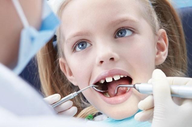 Какие пломбы на молочные зубы лучше ставить?