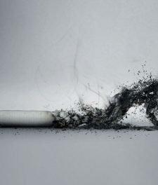 Можно ли курить после удаления зуба мудрости?