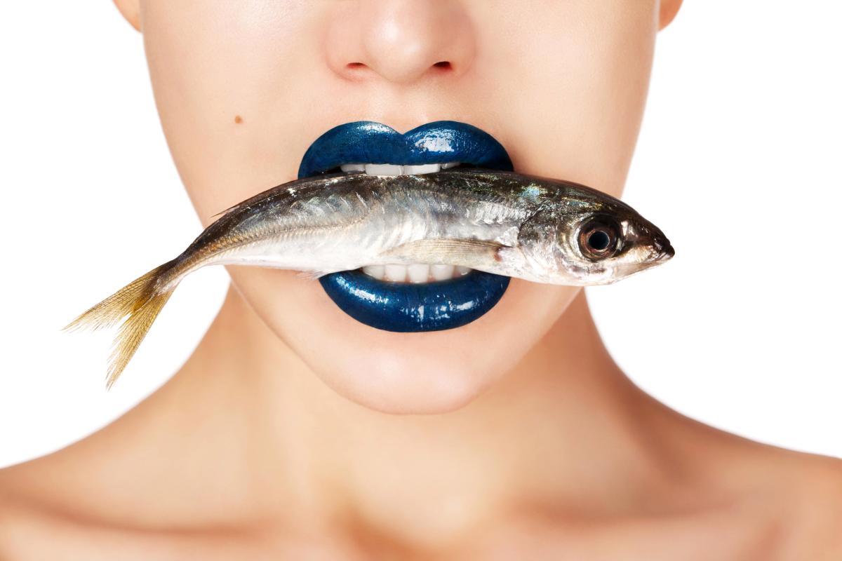 Как избавиться от запаха рыбы со рта?